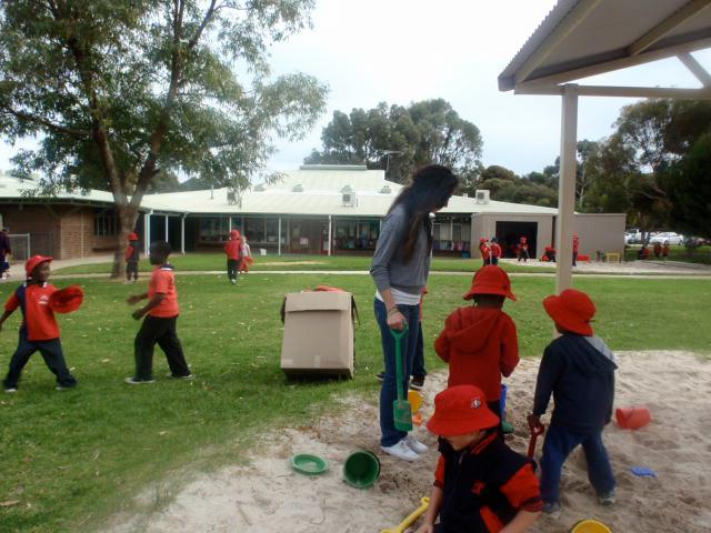 Caroline Volunteers in Australia