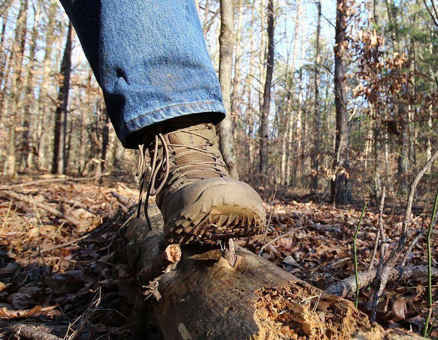 Choosing the Best Hiking Footwear – 5 Paramount Factors of an Informed Decision
